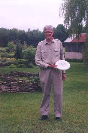 photo of Ken with flying disc